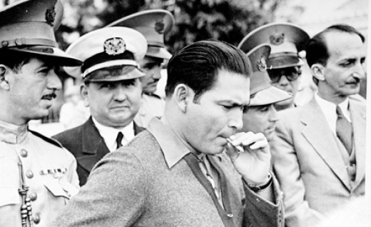 He may not have been fond of the thick stogies enjoyed by his successors, but Generalissimo Batista liked to stop and take a smoke too.