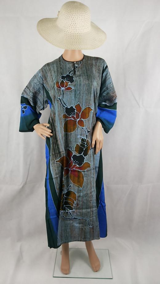 Stripey blue kaftan with sleeves.