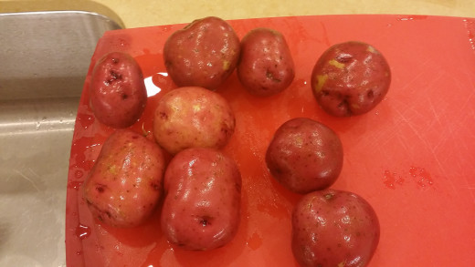 I didn't have all 6 large red potatoes, so I used 9 altogether since a few were pretty small.