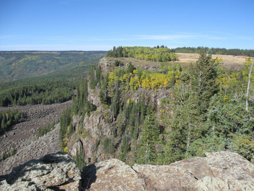 Cliff edge on the western face of Grand Mesa