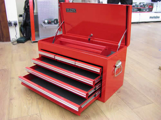 Metal tool box with drawers and compartment in the top. Ideal for neat storage of spanners, screwdrivers, sockets & ratchets, files, hammers etc.