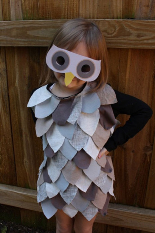 ANIMAL COSTUMES  Children all have animals that they like. Maybe ones whose sounds they like to imitate. Think of one your child would like and come up with an idea of how to recreate a replica of it- Be open-minded and play pretend. You be one too!
