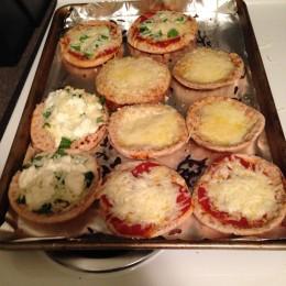 Super Yummy Mini Pita Pizzas!