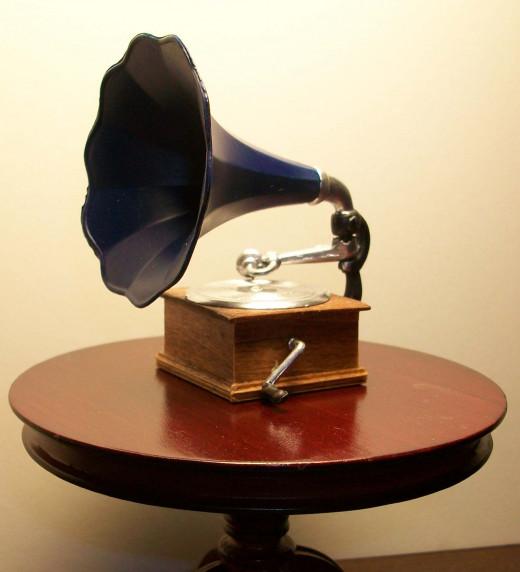 The Elegant Phonograph