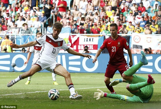 'Raumdeuter' scoring a typically unfashionable goal against Portugal in the 2014 World Cup.