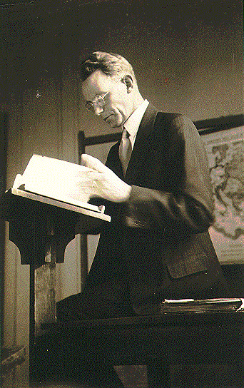 See page for author [Copyrighted free use], via Wikimedia Commons