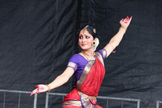 Dr. Janaki Rangarajan's Bharatanatyam performance