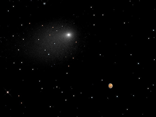 Siding Spring near Mars, taken by the Hubble Space Telescope.