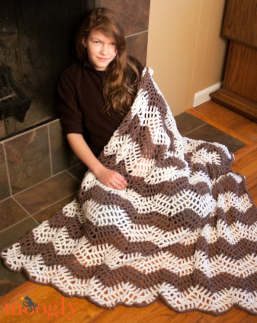 This pretty afghan is available in many sizes. Choose one for your lapghan.
