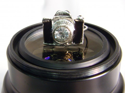 Very adorable ring, yet unisex at the same time.