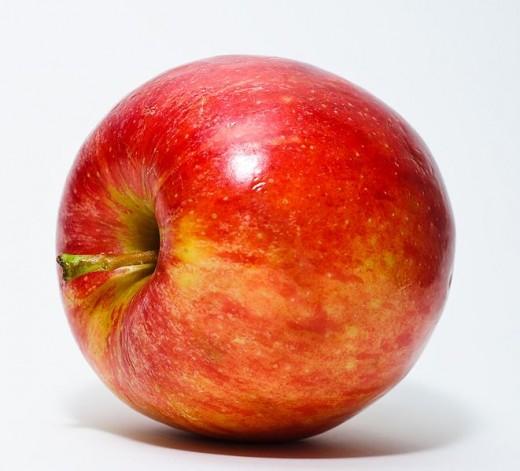 An apple with a good aspect ratio.