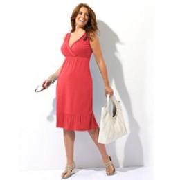 Cheap Cute Plus Size Sundresses: womenssundresses.hubpages.com/hub/Cheap-Cute-Plus-Size-Sundresses