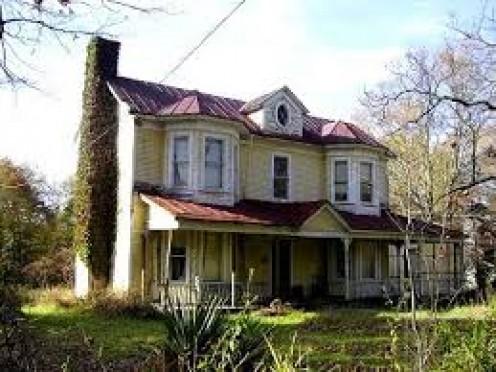 Stylish abandoned farmhouse