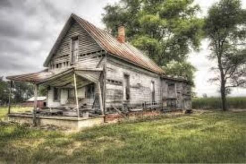 I love old abandoned farmhouses
