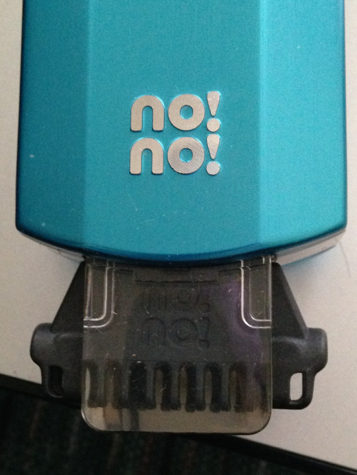 Simply line up the No! No! on the head with the No! No! on the body and you are ready to vaporize some hair!
