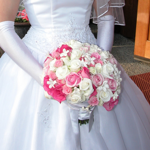 Why not keep your bridal bouquet forever. Seal it with your dress and someday you can show your children. Wouldn't it be cool if your daughter used your dress and bridal bouquet someday?