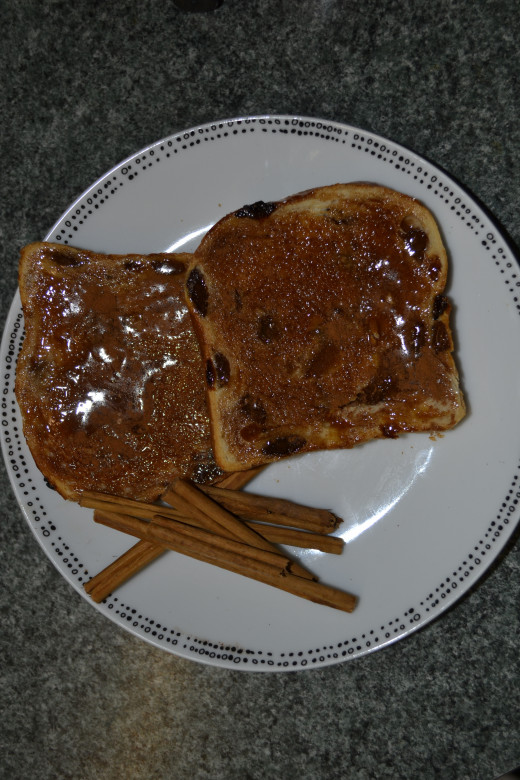 Add 1 teaspoon of Ceylon cinnamon powder to 1 tablespoon of raw honey, mix into paste and spread on warm toasted bread. A healthy alternative to Jam or jelly.