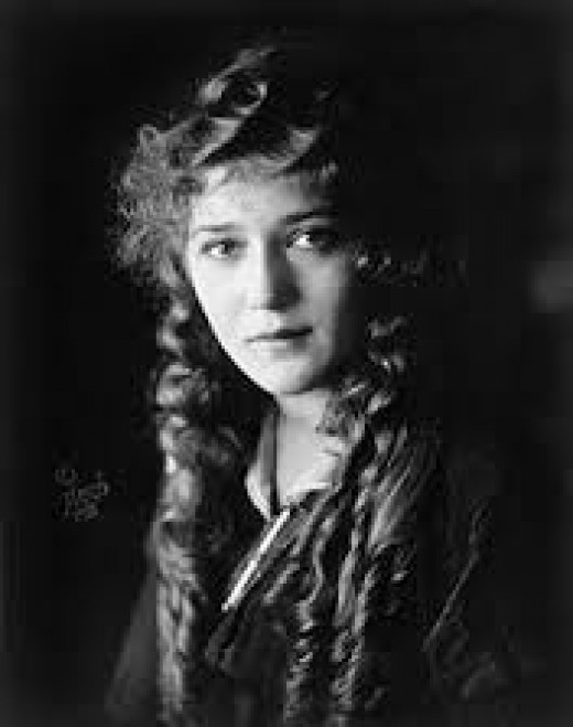 Mary Pickford, movie icon of the 20's
