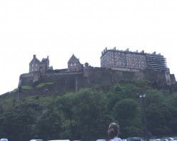 Edinburgh Castle Review
