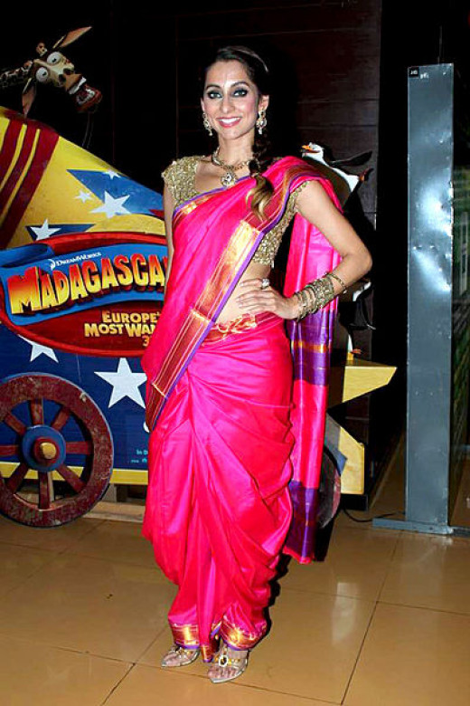 The Maharashtrian sari