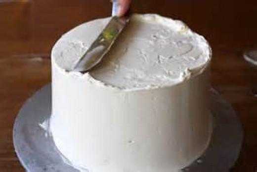 Ice the cake