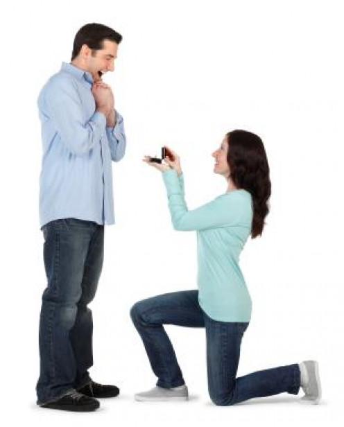 Sure, ladies can propose to men