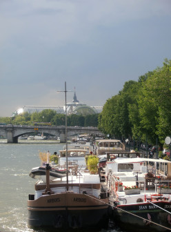 Port des Tuileries and Pont de la Concorde, Paris