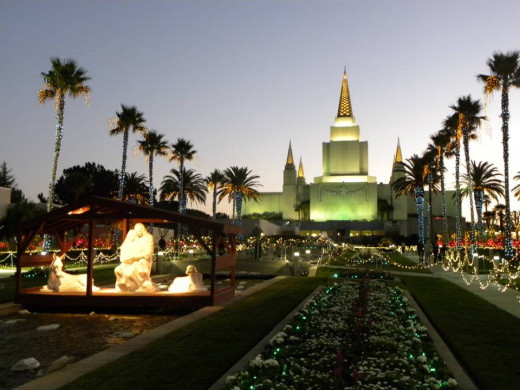Night lights with two focal points, Oakland LDS Temple, CA