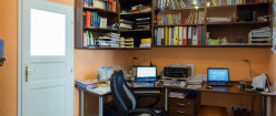 How to Find the Perfect Position for Your Home Office Desk