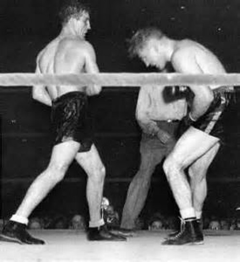 Billy Conn is one of the best light heavyweight boxers of all time.