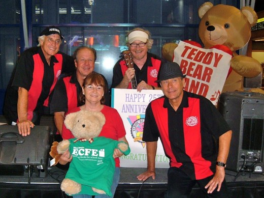 Author with the Teddy Bear Band at the Mall of America, 2013.