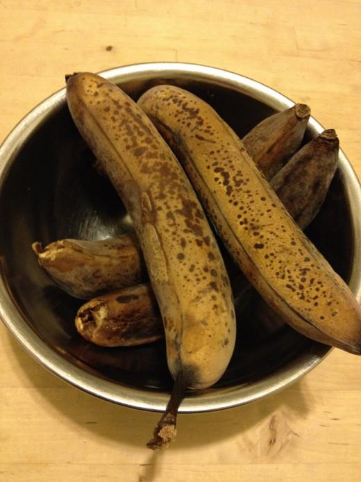 Frozen bananas, thawing in bowl