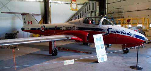 Snowbirds' CT-114 Tutor, Nanton