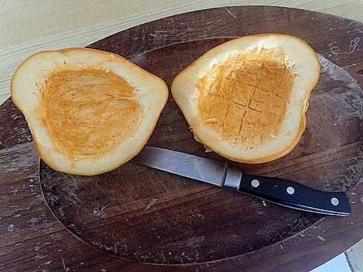 how to cut squash lengthwise