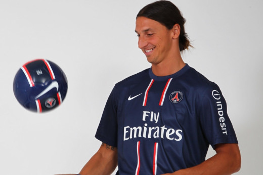 Zlatan Ibrahimovic juggling the ball in PSG jersey.