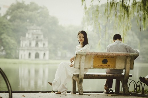 Waiting too long to say sorry might drive you and your spouse further apart. Even if you don't know how to say sorry right now, don't wait too long to apologize.