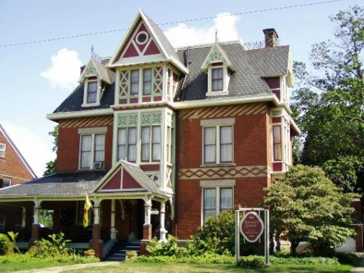 Perhaps you want to stay at this location: Spencer House Bed and Breakfast in Erie, Pennsylvania.