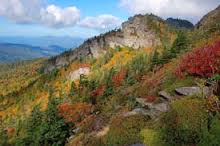This is a beautiful picture of the side of the mountain in the fall