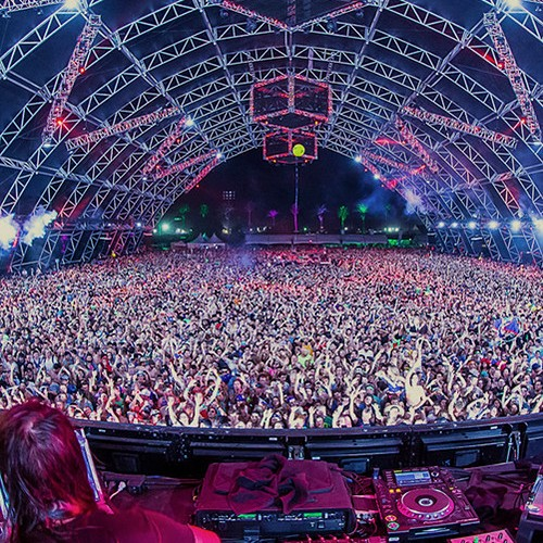 Okay- a venue like this doesn't just magically fill up and sell out on its own... but with a little help from some hard-working promoters, this goal becomes significantly more reachable (;