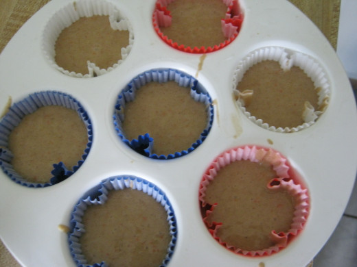 "Fill them 1/2 full, but as you can see, I wanted ""Gringo"" sized cupcakes. They were a bit too full."