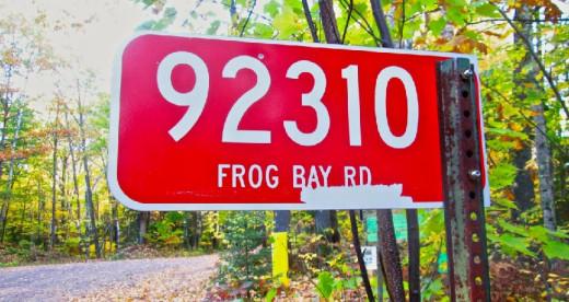 92310 Frog Bay Road Sign