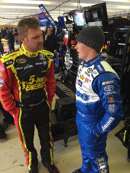 Bowyer and Moffitt talk before Sunday's race