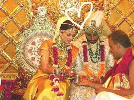 Aishwarya and Abhishek at wedding ceremony