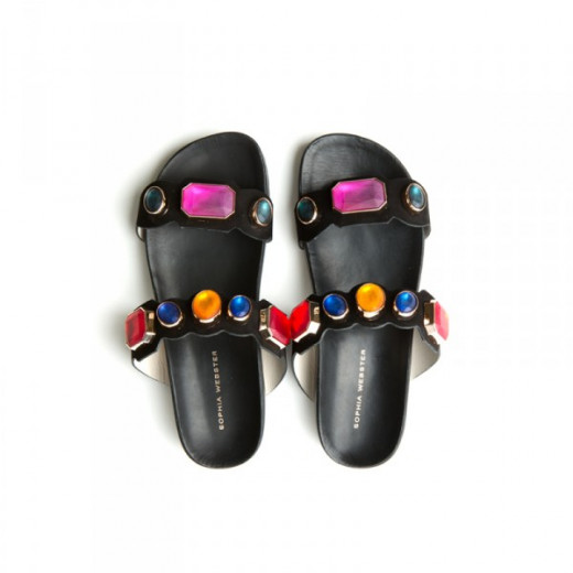 Sporty yet chic slide sandals