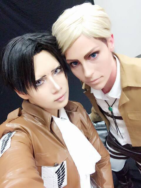 Levi and Erwin (Reika as Levi)