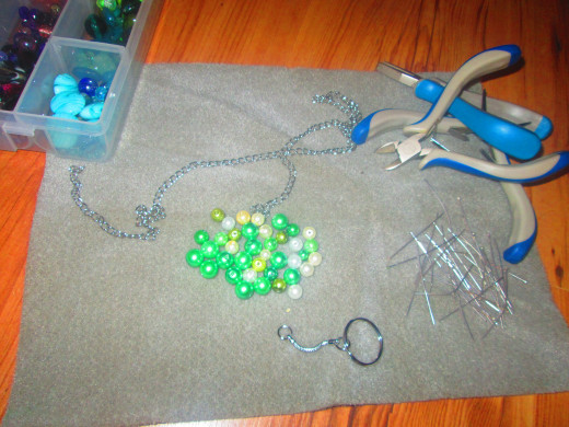 How To Make A Quick And Easy Beaded Handbag Charm Hubpages