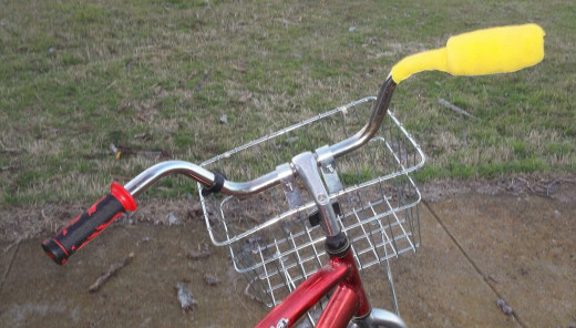 Here is the finished product on the right handlebar of my cargo bike.