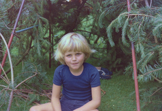 Cheeky Chappy, in front of a spruce hut where I planned to live forever. The Ommen Woods.