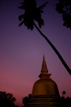 Dambulla Temple, Sri Lanka by Wandering Angel (http://www.flickr.com/photos/wandering_angel/}