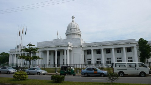 Colombo Town Hall, by Augapfel (http://www.flickr.com/photos/qilin/)